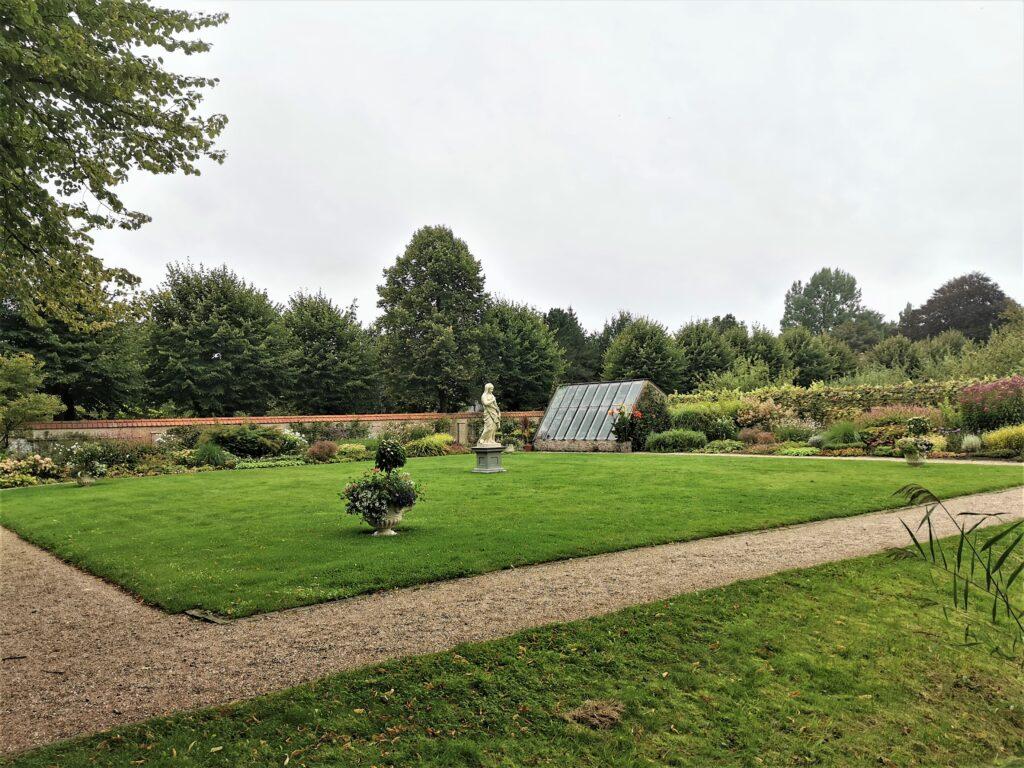 Open Monumentenweekend 11 en 12 september met tuinrondleidingen en primeur occa tocca beleefwandeling voor kinderen van 8-12 jaar